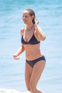 Helen Hunt in a Black Bikini