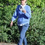 Helen Hunt in a Light Blue Sweatshirt Was Seen Out in Pacific Palisades 07/21/2020