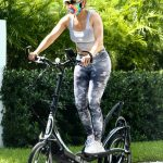 Jennifer Lopez in a Gray Top Trains on a Bike in Coral Gables 07/12/2020