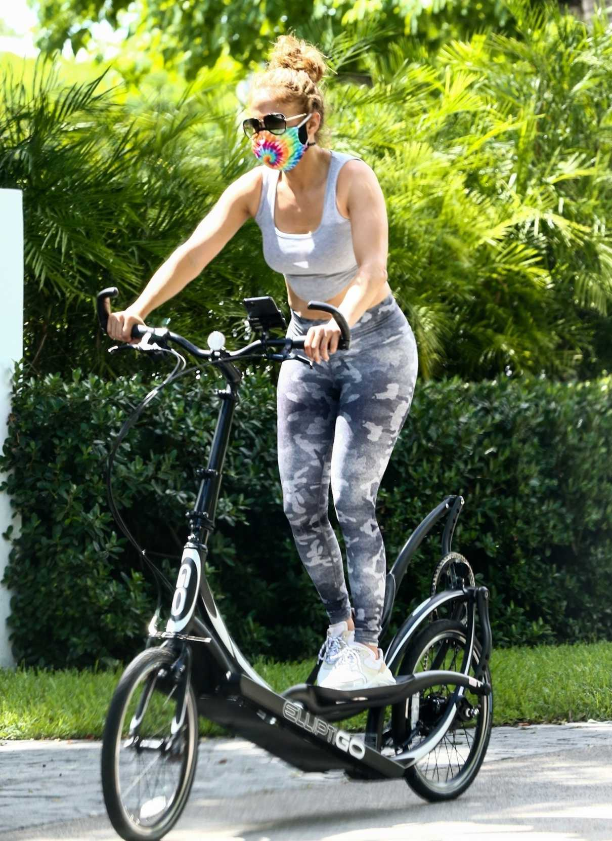 Jennifer Lopez in a Gray Top