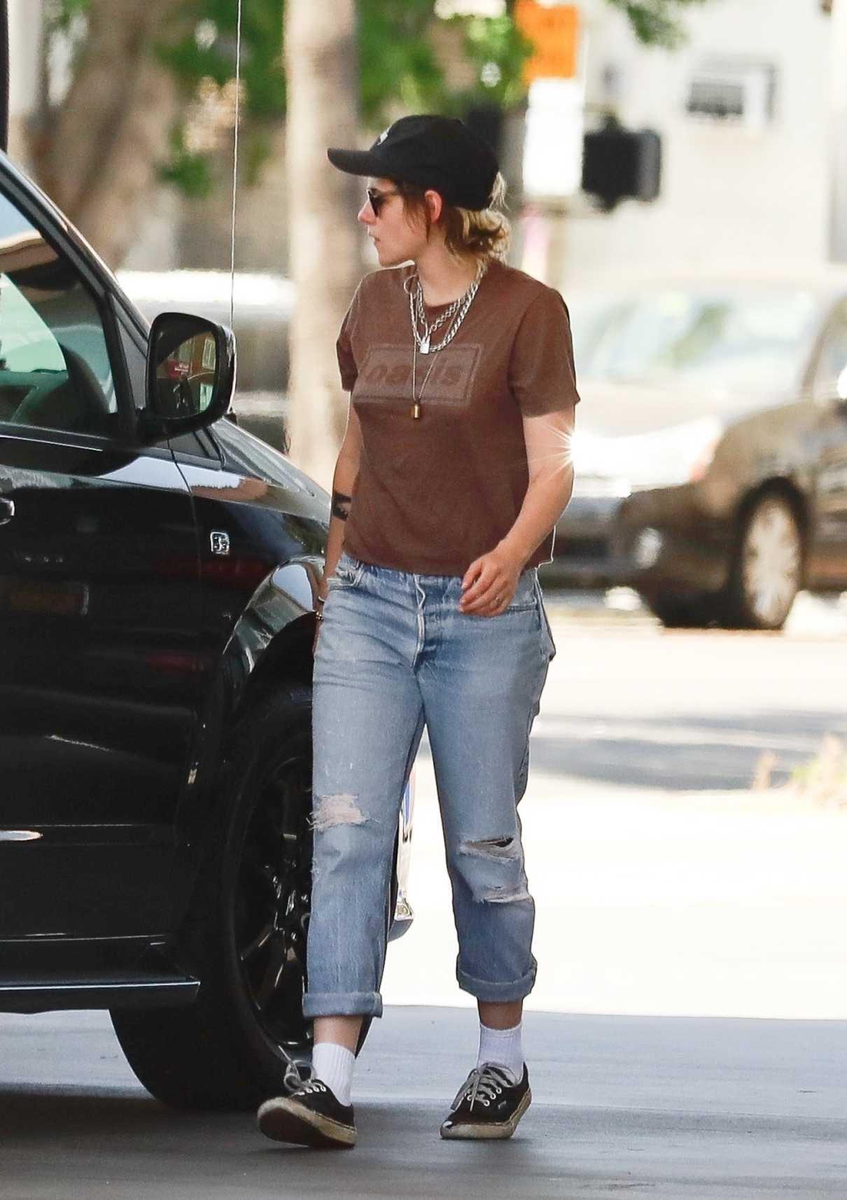 Kristen Stewart in a Blue Ripped Jeans