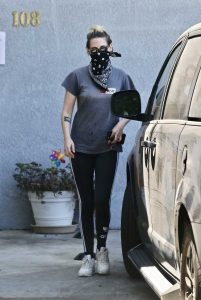 Kristen Stewart in a Gray Tee