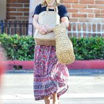 Reese Witherspoon in a Protective Mask Goes Grocery Shopping at Ralphs Supermarket in Malibu 07/19/2020
