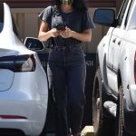 Camila Mendes in a Black Tee Out with Her Boyfriend Grayson Vaughan Stops by Petco in Los Angeles 07/31/2020