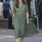Jennifer Garner in an Olive Dress Was Seen Out in Pacific Palisades 08/13/2020