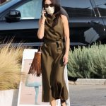 Abigail Spencer in a Protective Mask Was Seen Out in Brentwood 09/17/2020
