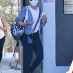 Sarah Michelle Gellar in a Protective Mask Leaves Her Exercise Class in Brentwood 09/06/2020