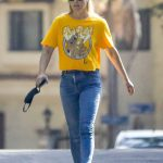 Ali Larter in a Yellow Tee Was Seen Out in Pacific Palisades 09/29/2020