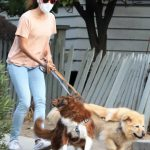 Aubrey Plaza in a Beige Tee Walks Her Dogs in Los Angeles 09/29/2020