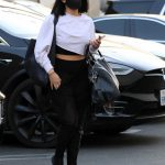 Cheryl Burke in a Black Protective Mask Arrives at the Dance Studio in Los Angeles 10/01/2020