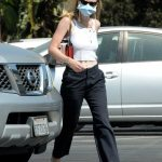 Dakota Fanning in a White Top Goes Grocery Shopping at Vons in Burbank 09/29/2020