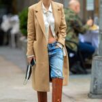 Emily Ratajkowski in a Beige Coat Was Seen Out in New York 10/27/2020