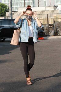 Jenna Johnson in a Black Leggings