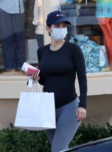 Katharine McPhee in a Grey Leggings
