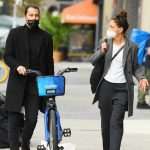 Katie Holmes in a Protective Mask Was Seen Out with Emilio Vitolo Jr. in New York 10/19/2020
