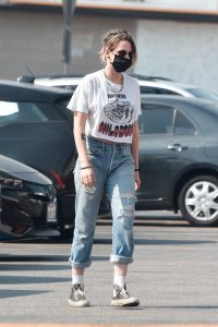 Kristen Stewart in a White Cropped T-Shirt