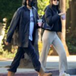 Amelia Hamlin in a Beige Pants Was Seen Out with a Mystery Man in Los Angeles 11/10/2020