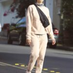Jessica Alba in a Beige Sweatsuit Was Seen Out in Los Angeles 11/12/2020