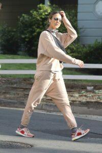 Jessica Alba in a Beige Sweatsuit