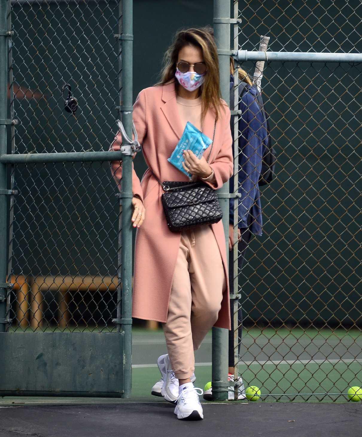 Jessica Alba in a White Sneakers