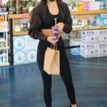 Kendall Jenner in a Black Leggings Goes Shopping in Los Angeles 11/06/2020