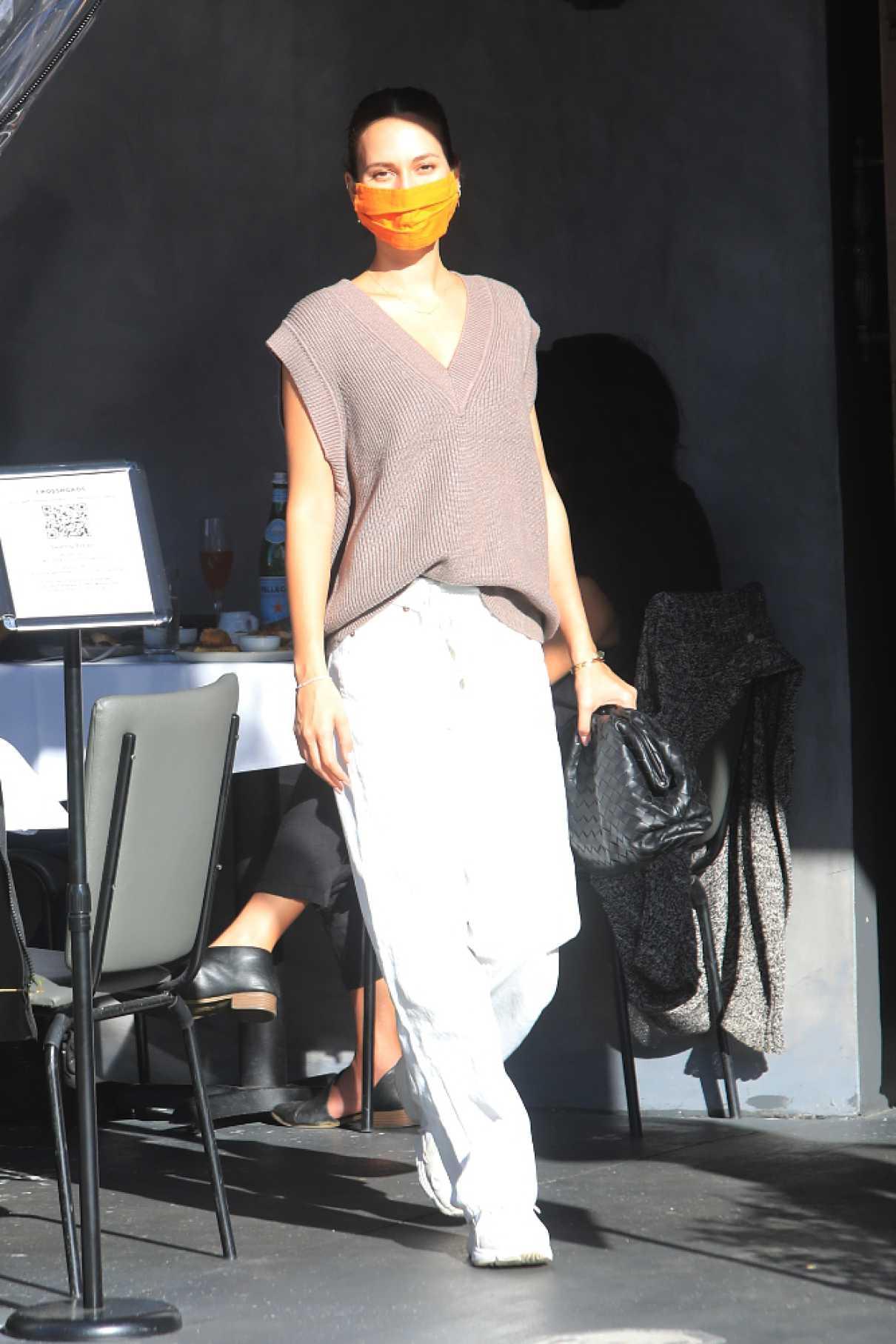 Tatiana Dieteman in a White Pants