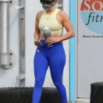 Jennifer Lopez in a Yellow Top Leaves the Gym in Miami 12/23/2020