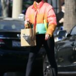 Zoey Deutch in a Black Protective Mask Makes a Coffee Run in Los Angeles 12/18/2020