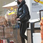 Charlize Theron in a Black Puffer Jacket Goes Grocery Shopping at Bristol Farms in Beverly Hills 01/25/2021