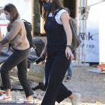 Jennifer Garner in a Protective Mask Stops to Check on the Construction Progress of Her New Mansion in Brentwood 01/14/2021