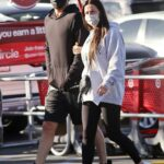 Laura Lentz in a Gray Hoodie Out with Her Husband Heads to Target in Redondo Beach 01/10/2021