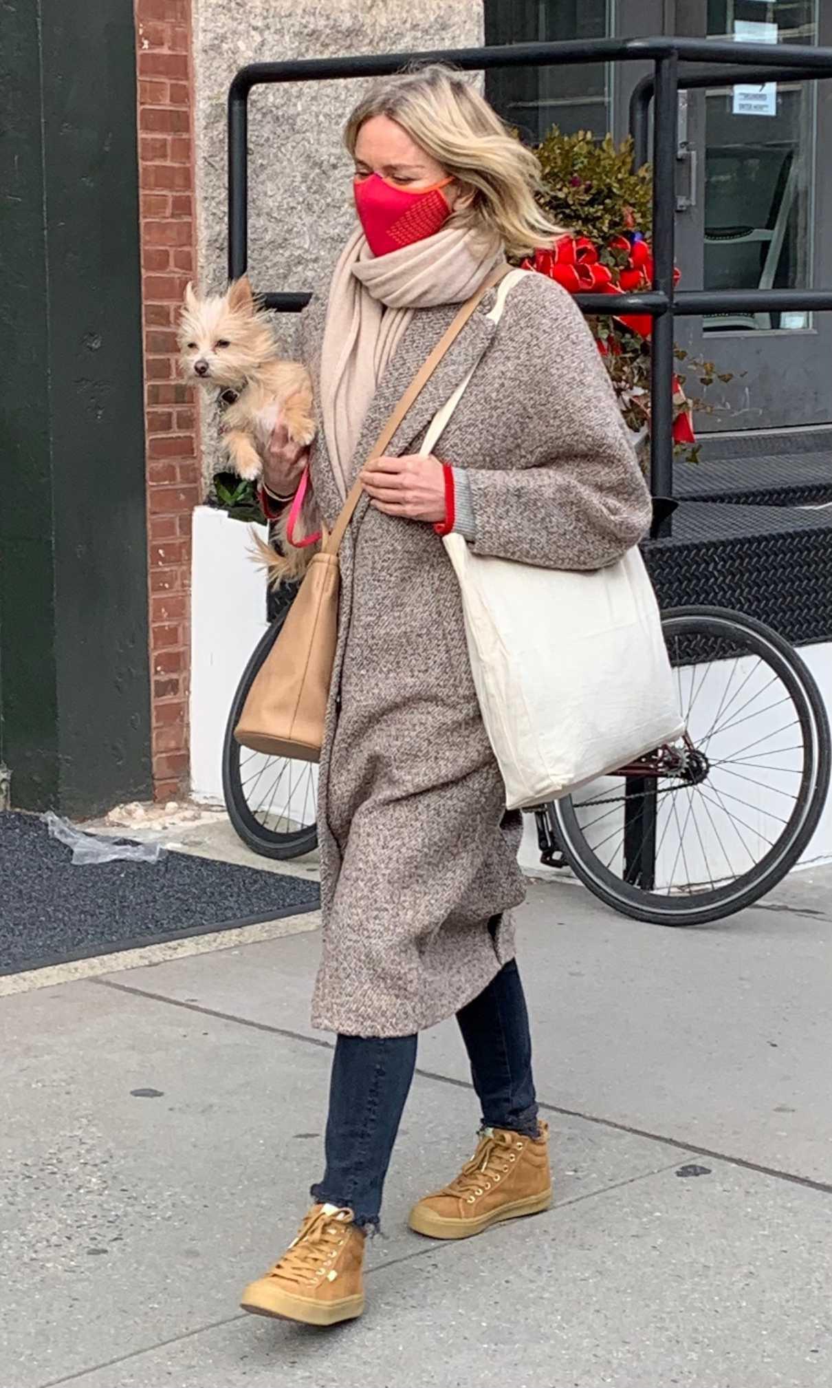 Naomi Watts in a Tan Coat