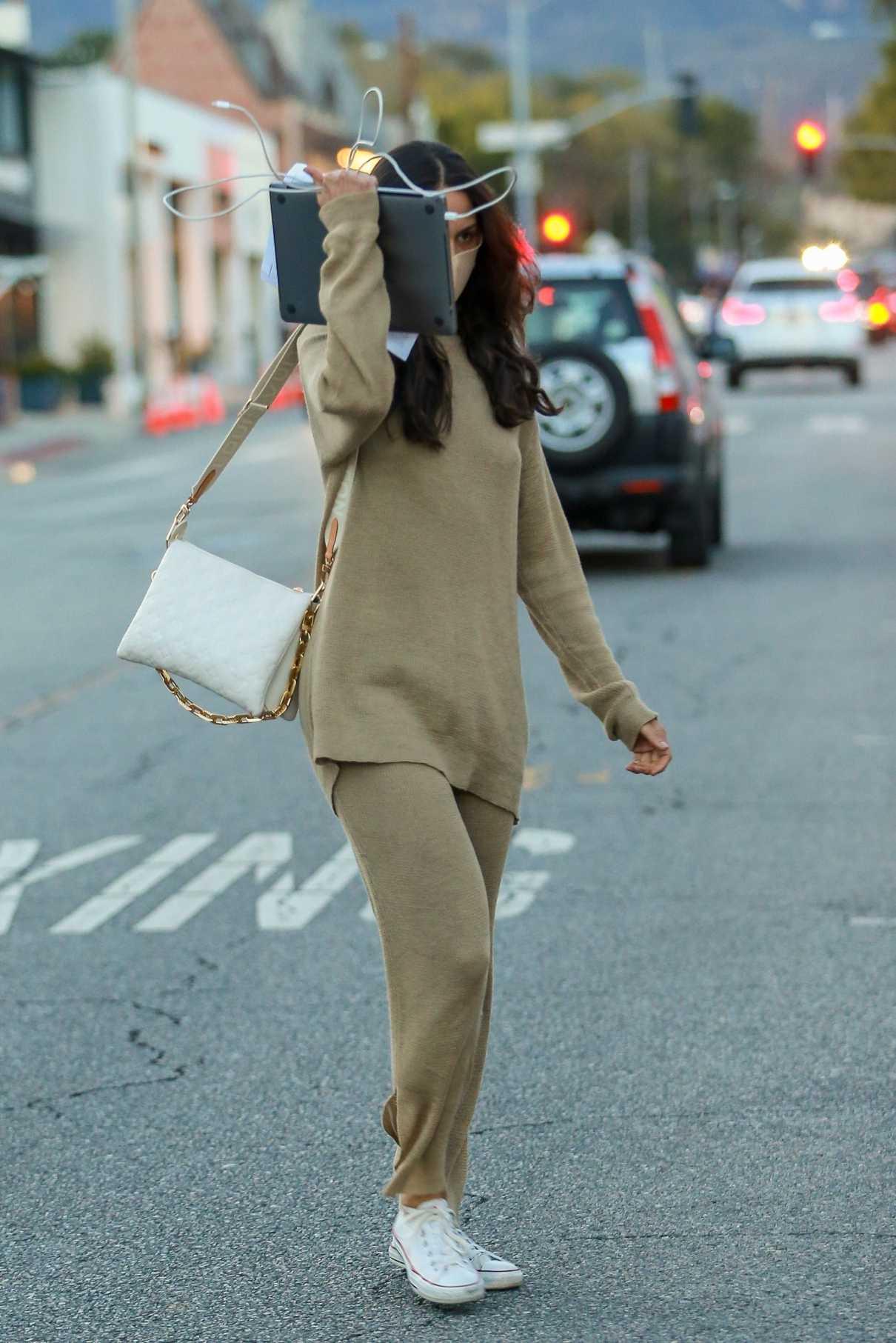 Eiza Gonzalez in a Beige Sweatsuit