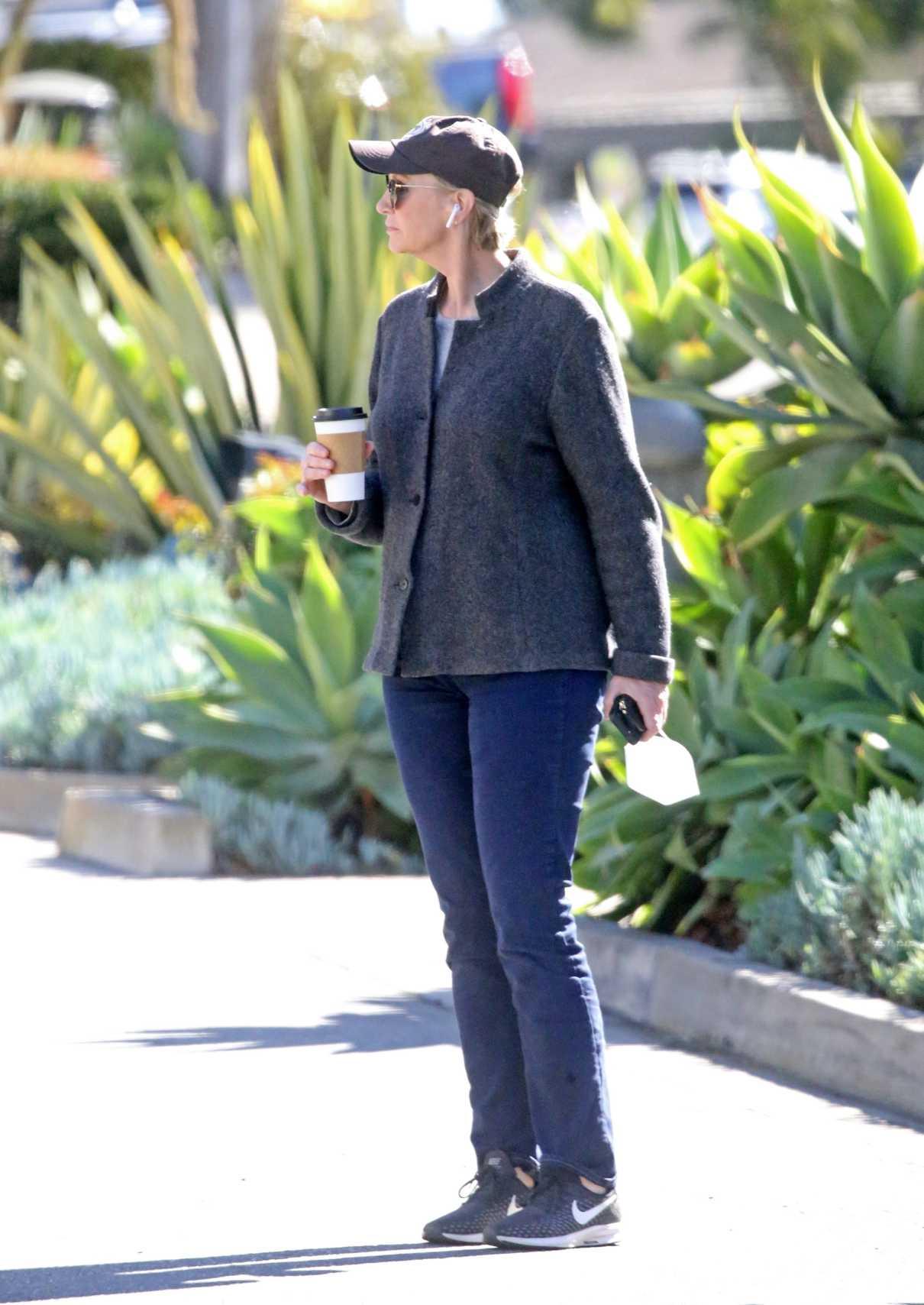 Jane Lynch in a Black Cap