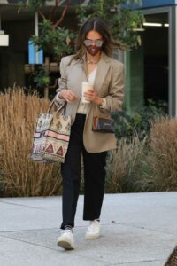 Jessica Alba in a Beige Blazer Arrives at Her Office in Los Angeles 02/25/2021