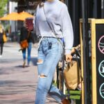 Alessandra Ambrosio in a Blue Riped Jeans Was Spotted Grabbing a Bite at Kreation Organic in Brentwood 04/05/2021