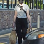 Anna Kendrick in a Grey Tee Goes Shopping at Gelson's in Los Angeles 04/20/2021