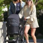 Elsa Hosk in a Beige Knit Ensemble Goes for a Stroll with Tom Daly and Daughter in Los Angeles 04/05/2021