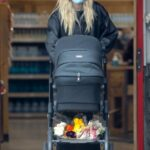 Elsa Hosk in a Black Leather Jacket Buys Flowers at Her Local Trader's Joe in Los Angeles 04/26/2021