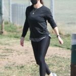Jennifer Garner in a Black Outfit Leaves the Park Near Her Home in Brentwood 04/10/2021