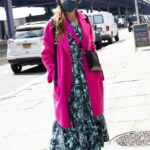 Sarah Jessica Parker in a Black Protective Mask Visits Her SJP Shoe Store in New York 04/10/2021