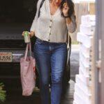 Jennifer Garner in a Beige Cardigan Arrives at Her Office in Brentwood 05/07/2021