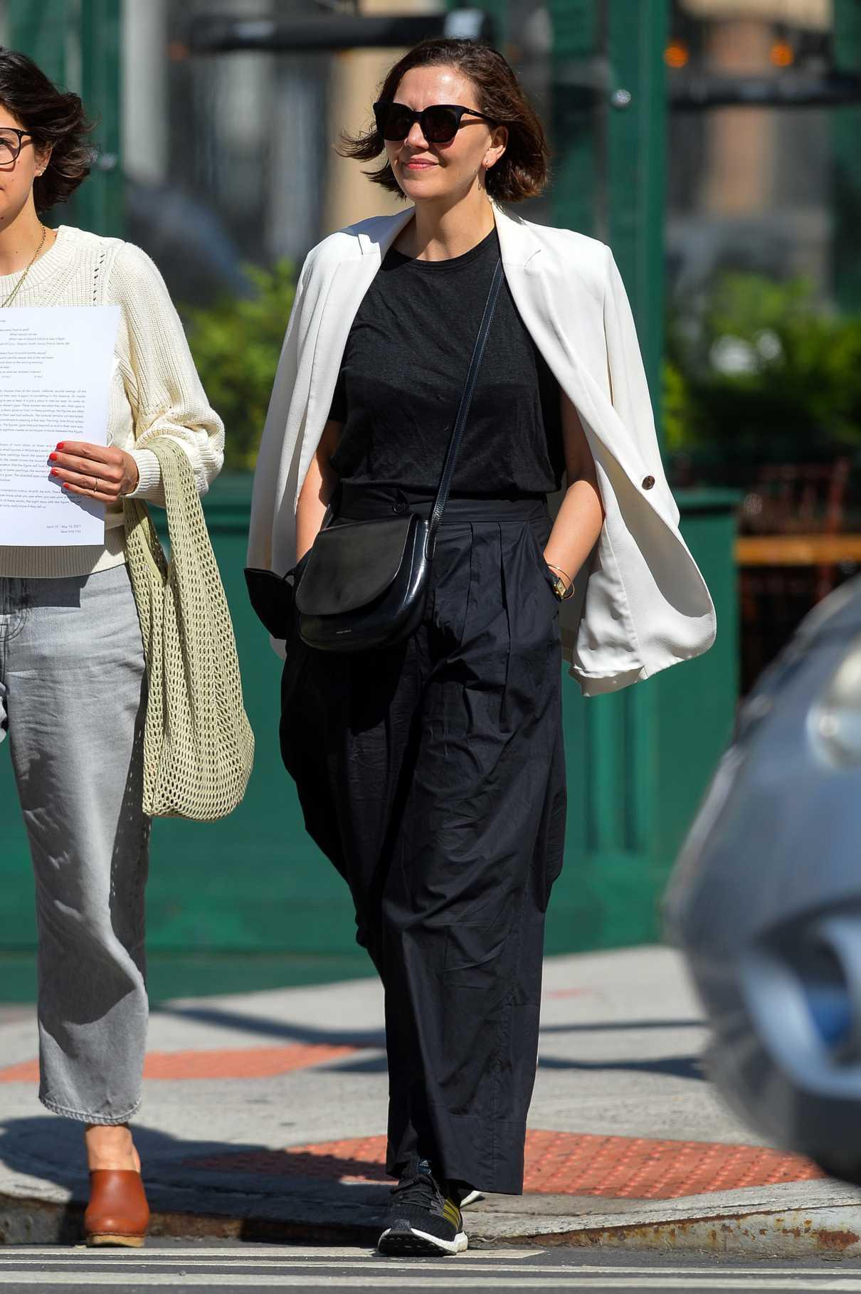 Maggie Gyllenhaal in a Black Pants