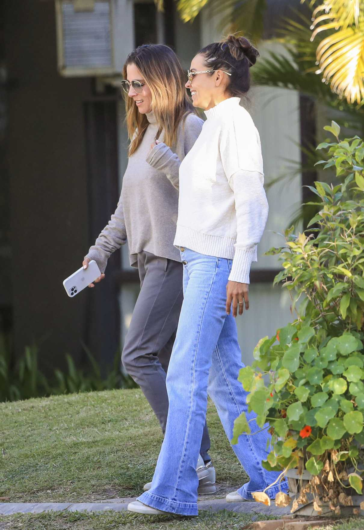 Elsa Pataky in a Grey Sweater