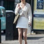 Emilia Clarke in a White Mini Skirt Goes Shopping in London 06/15/2021