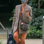 Jessica Alba in a Grey Protective Mask Was Seen Out in Santa Monica 06/01/2021
