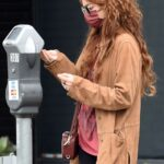Sarah Hyland in a Tan Jacket Visits a Hair Salon in West Hollywood 06/07/2021