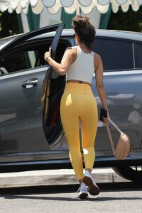 Eiza Gonzalez in a Yellow Leggings
