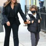 Mariska Hargitay in a Black Blazer on the Set of the Law and Order: Special Victims Unit in New York 09/28/2021