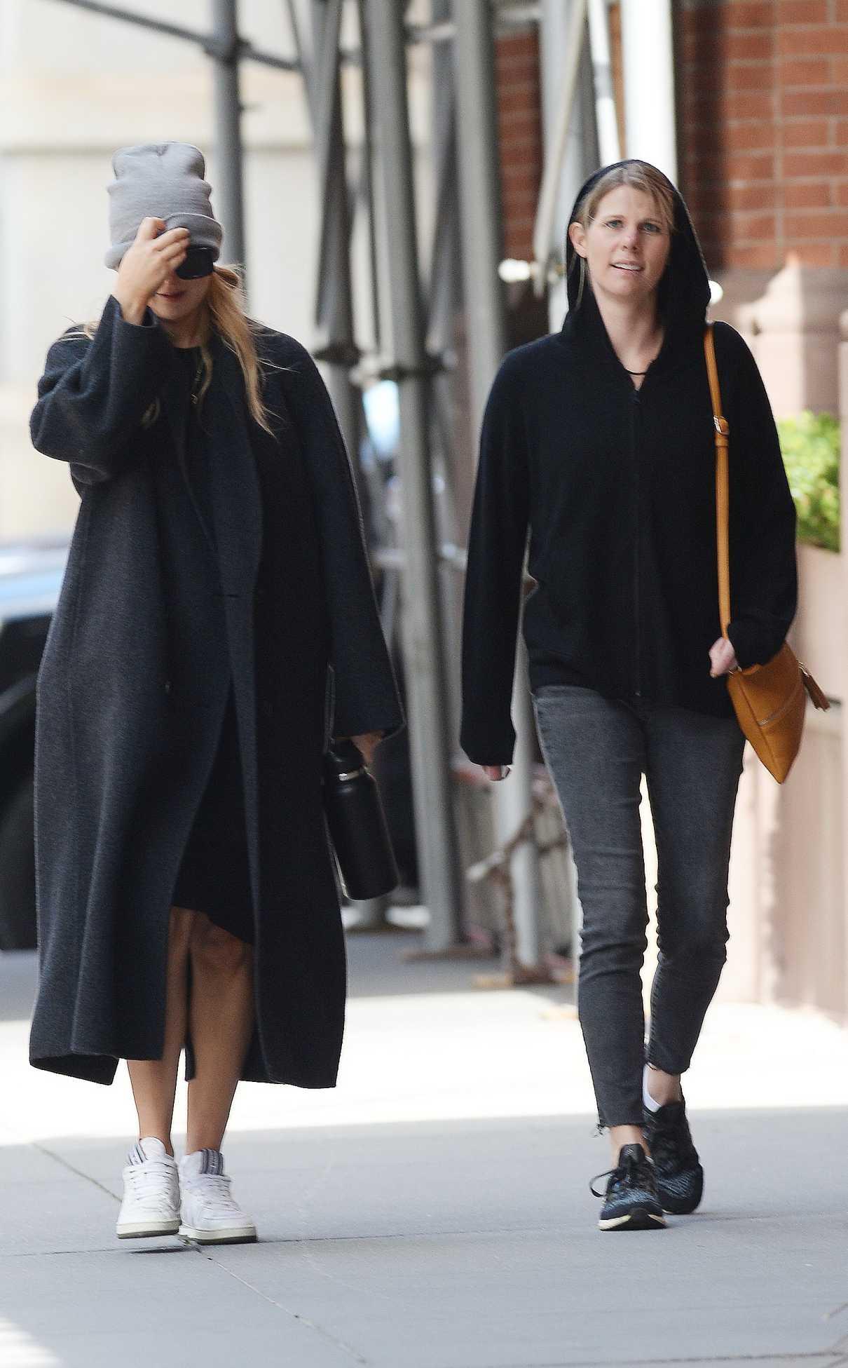 Jennifer Lawrence in a Grey Knit Hat